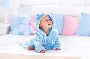 bebeklerde gaz sancısını geçirme, bebeklerin gazını çıkarma, bebeklerin gazı nasıl çıkarılır